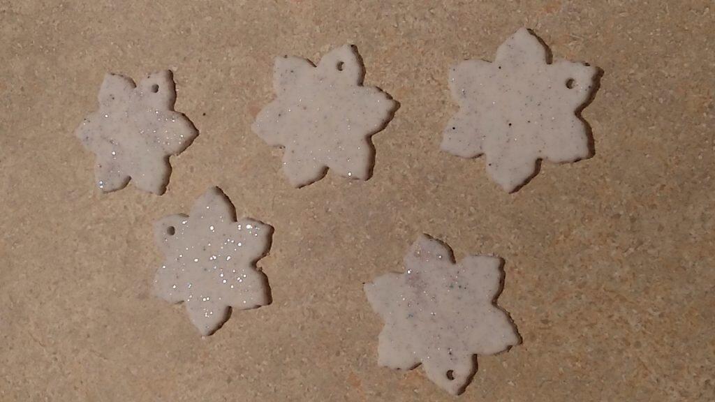 masa porcelanowa - gwiazdki z brokatem
